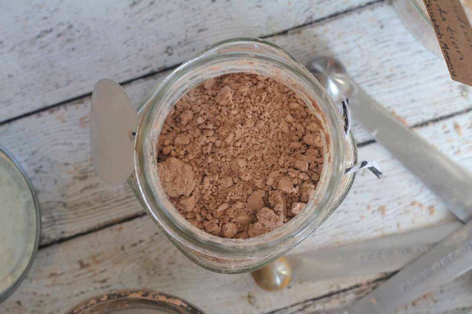 DIY Organic Facial Powder Recipe - Only FIVE Ingredients - By Scratch Mommy