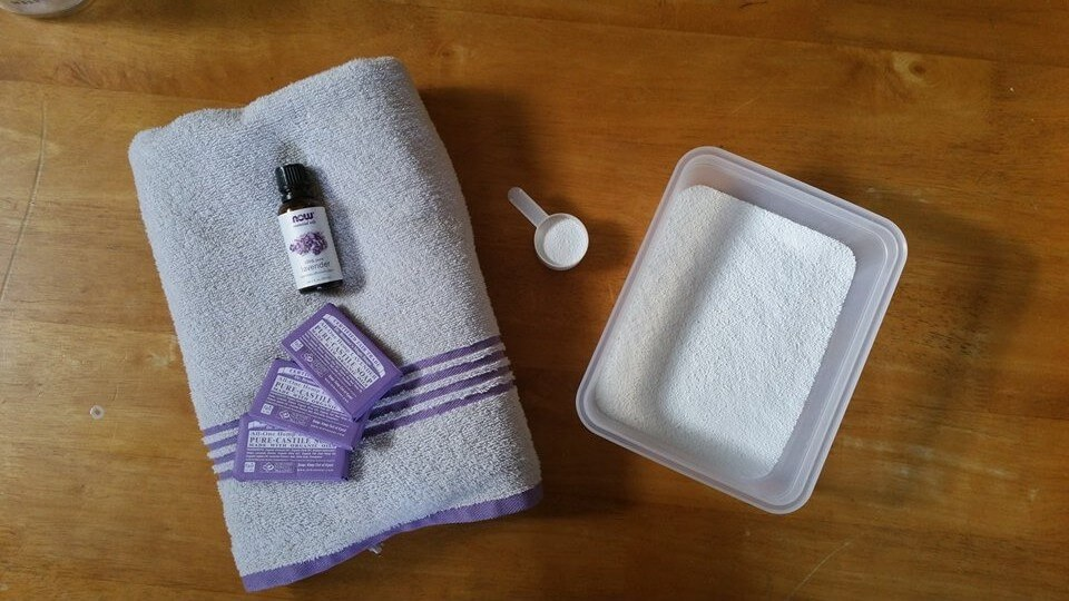 Cut the toxic additives in your laundry and make your own DIY lavender laundry soap. Not only does it smell good, you'll feel better knowing what's in it.