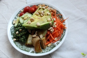 Vegetarian Power Bowl- This is a MUST MAKE- Nutrition packed bowl for anytime of the year- Scratch Mommy